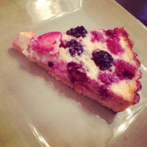 Summer berry and yogurt tart